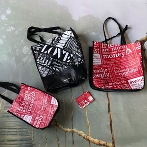 Bundle of 4 Lululemon tote/coin pouch different sz